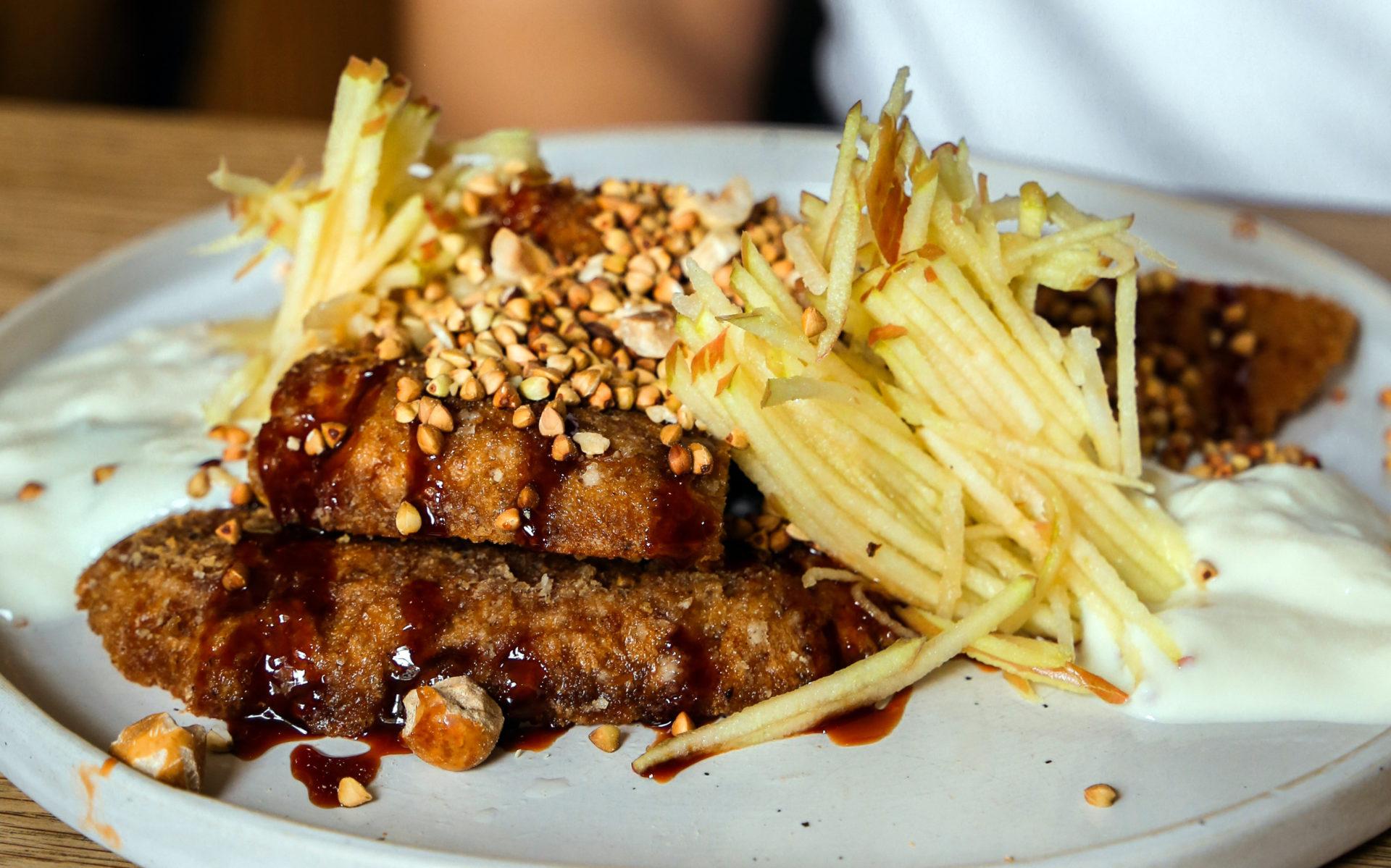 Vegan wentelteefjes bij restaurant Tinsel in Antwerpen
