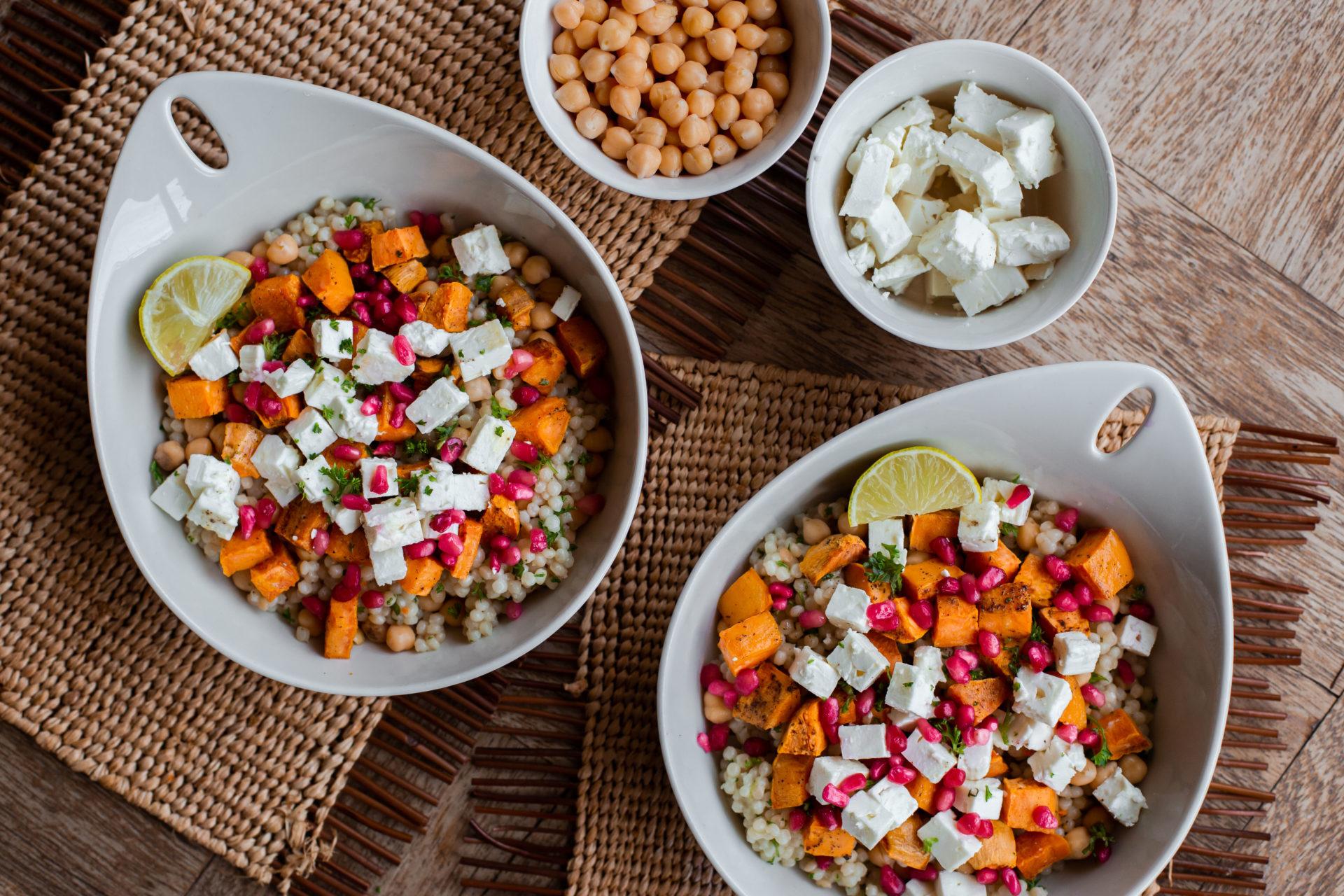 Recept parelcouscous met granaatappel, feta en zoete aardappel