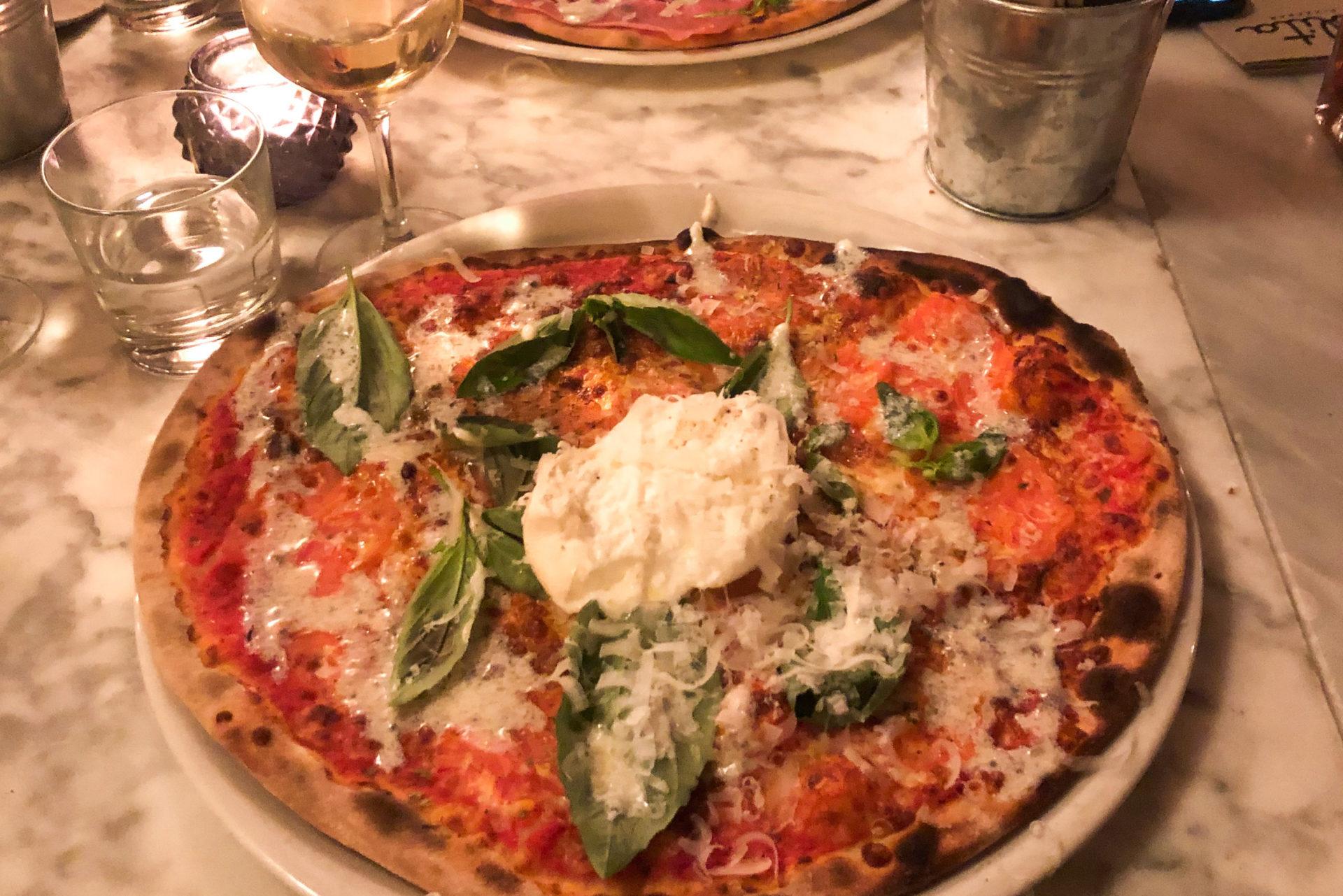 Beste pizza in Amsterdam eet je hier