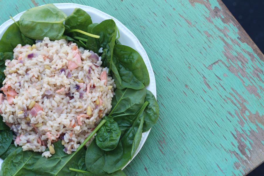 Recept: risotto met gerookte zalm, spinazie en Parmezaanse kaas