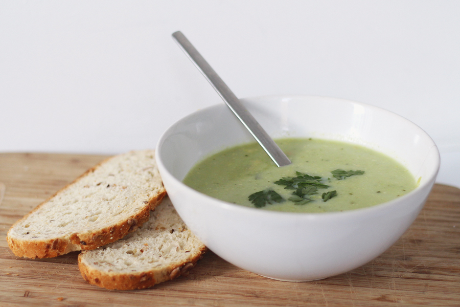 Recept: verse broccolisoep met peterselie