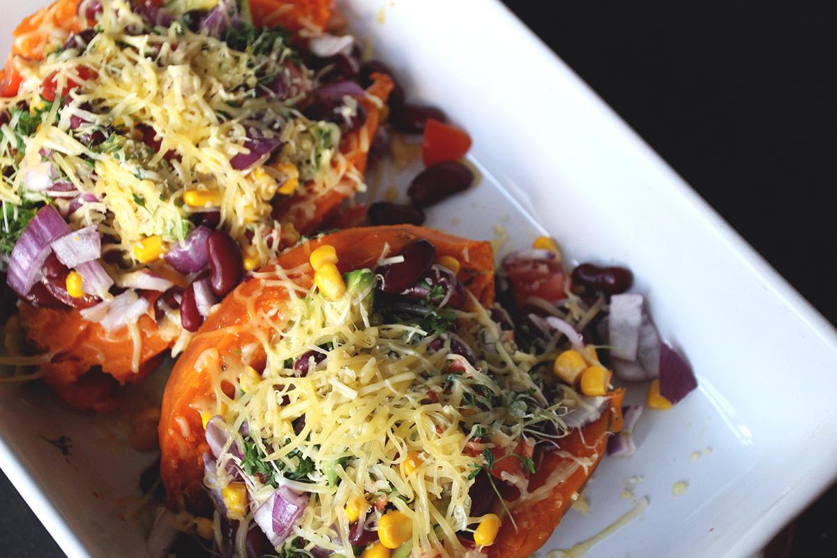 Mexiaanse gevulde zoete aardappel