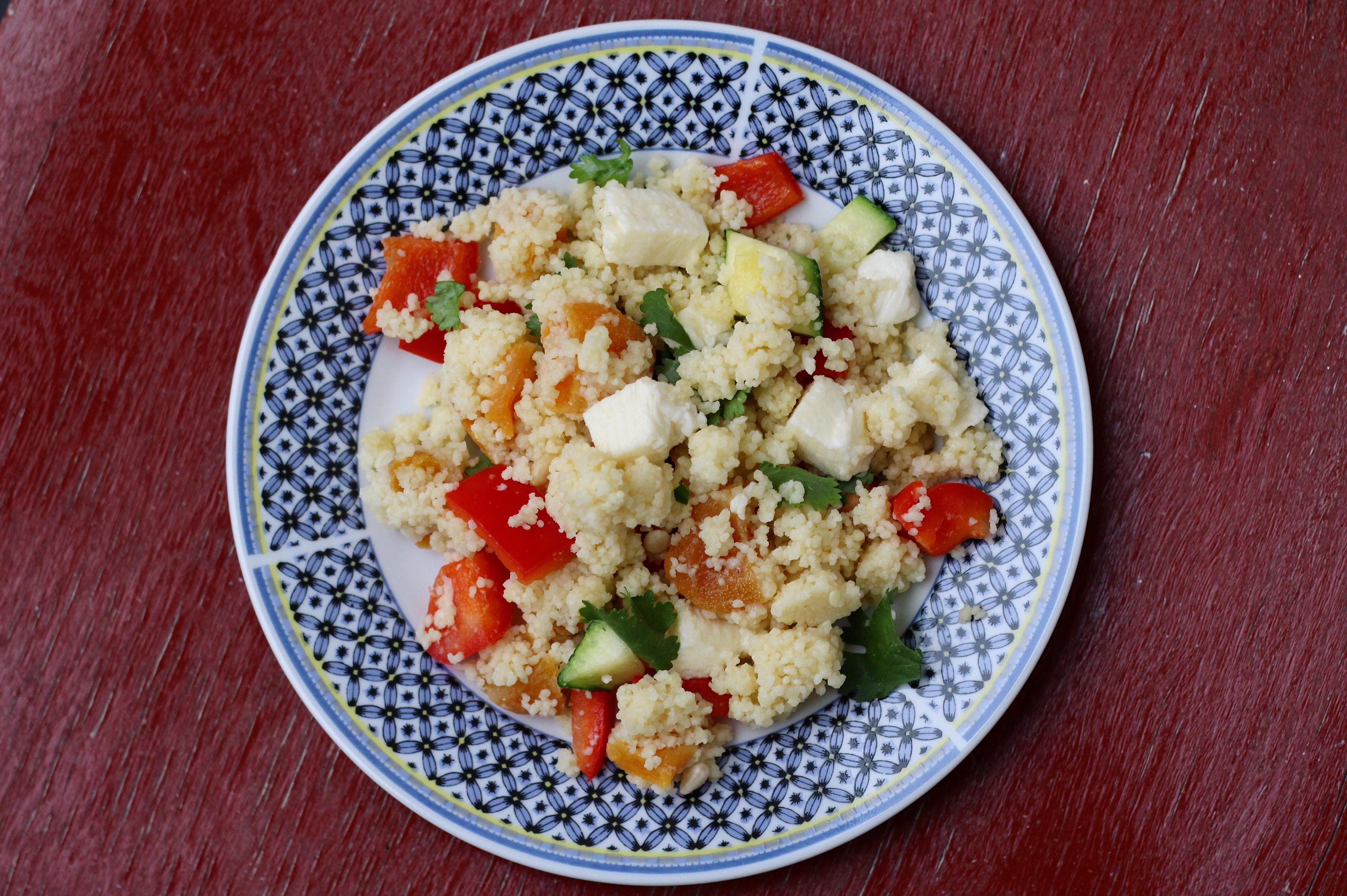 Couscoussalade met gedroogde abrikozen (recept)