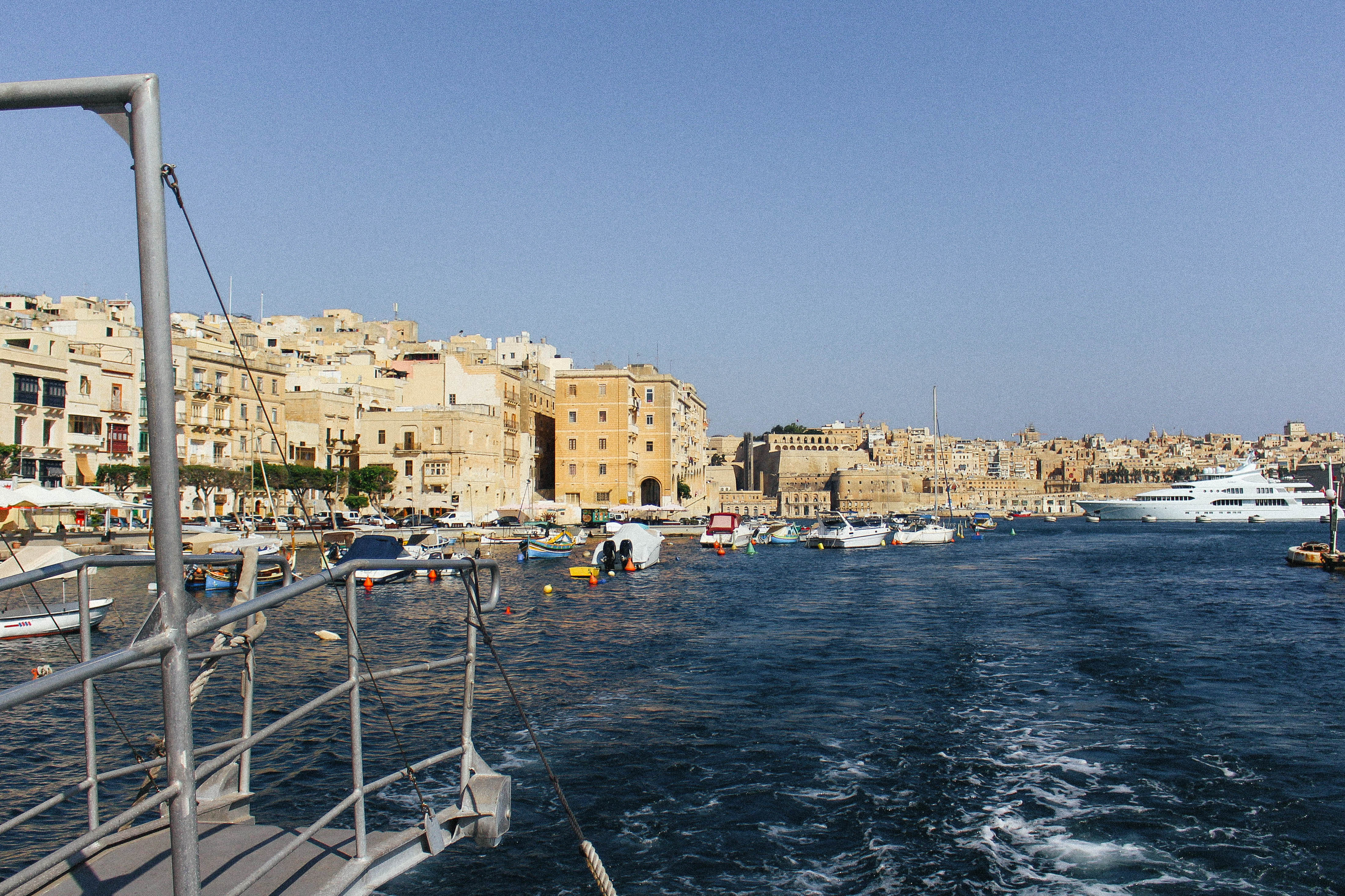 Bootje varen in Valletta