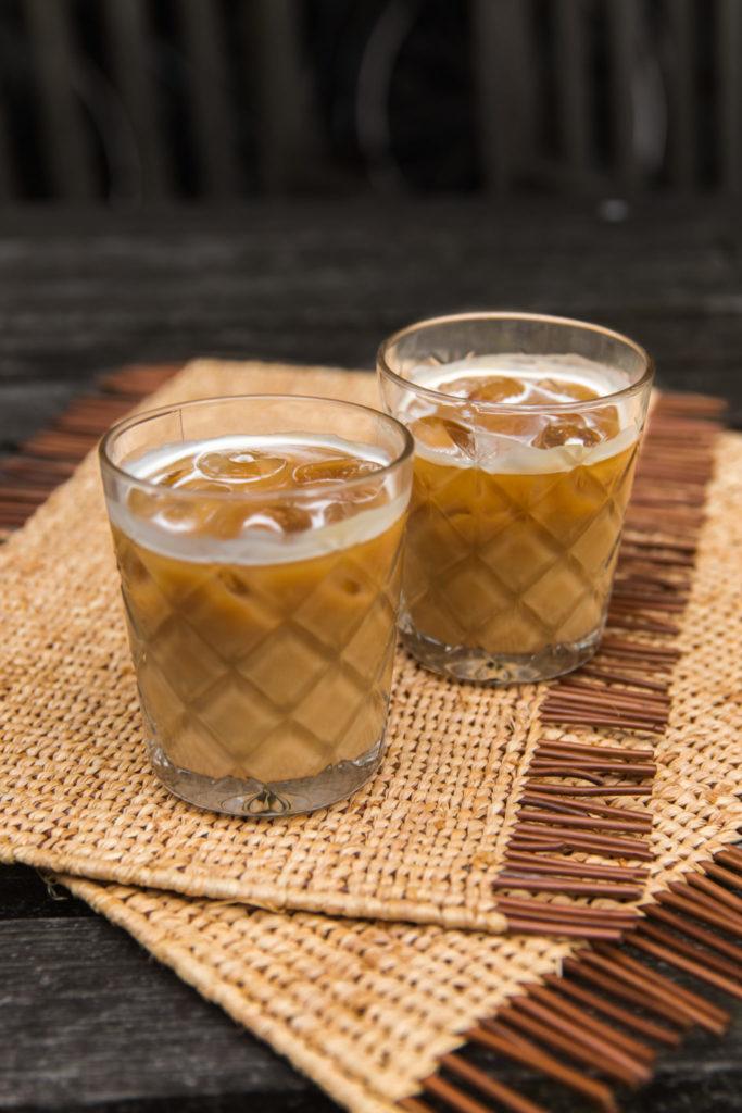 IJskoffie maken met havermelk en vleugje vanille