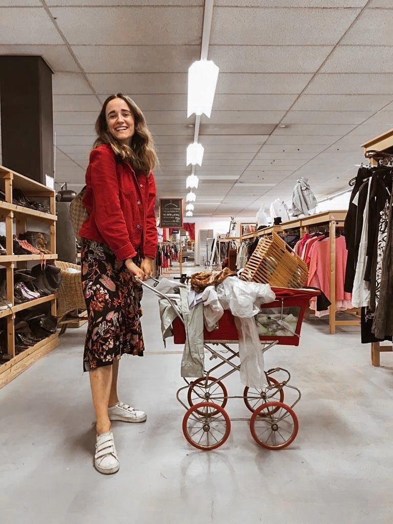 Voordelen van vintage en tweedehands kleding shoppen