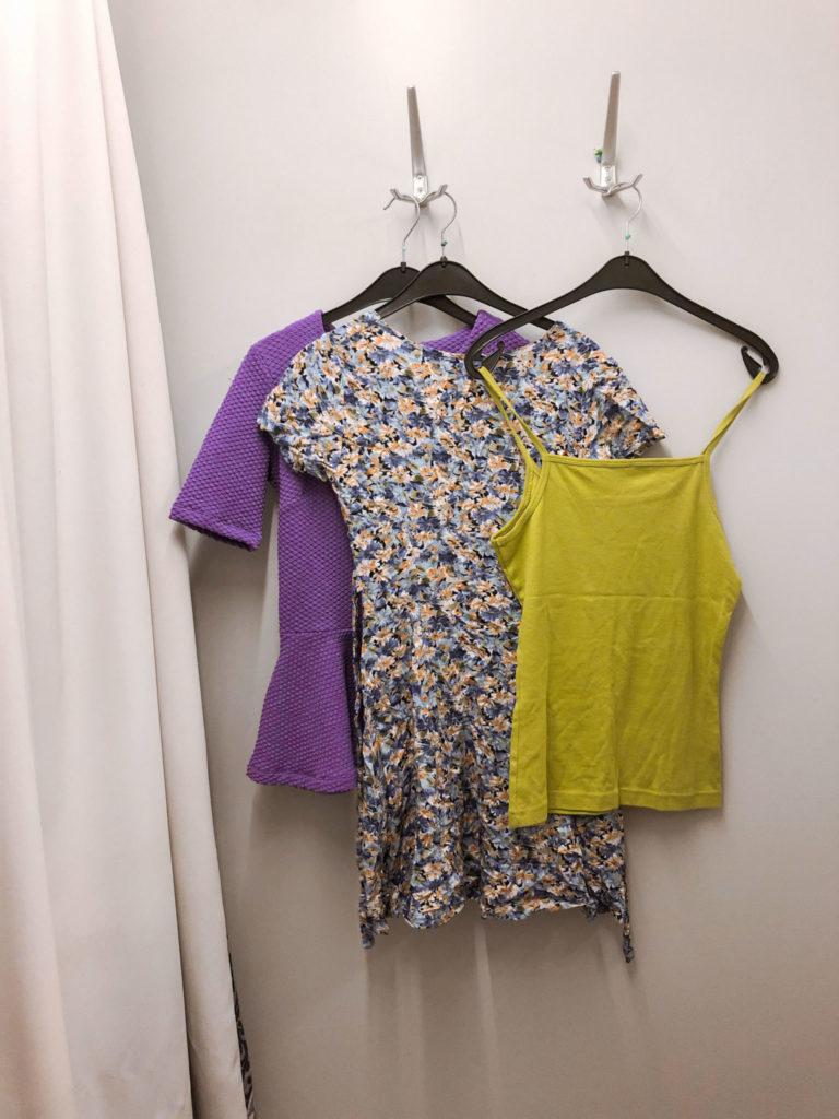 Koop originele kleding tweedehands bij de kringloopwinkel