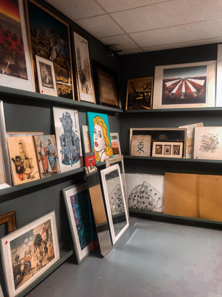Koop schilderijen en posters bij de kringloopwinkel
