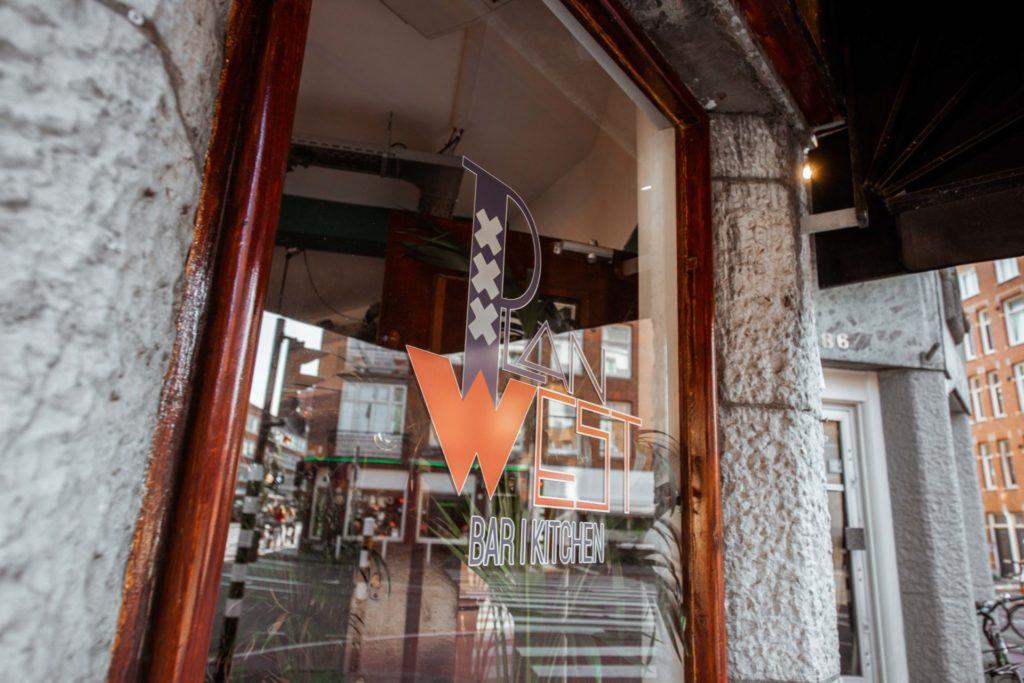 Café Plan West restaurant en karaokebar-1