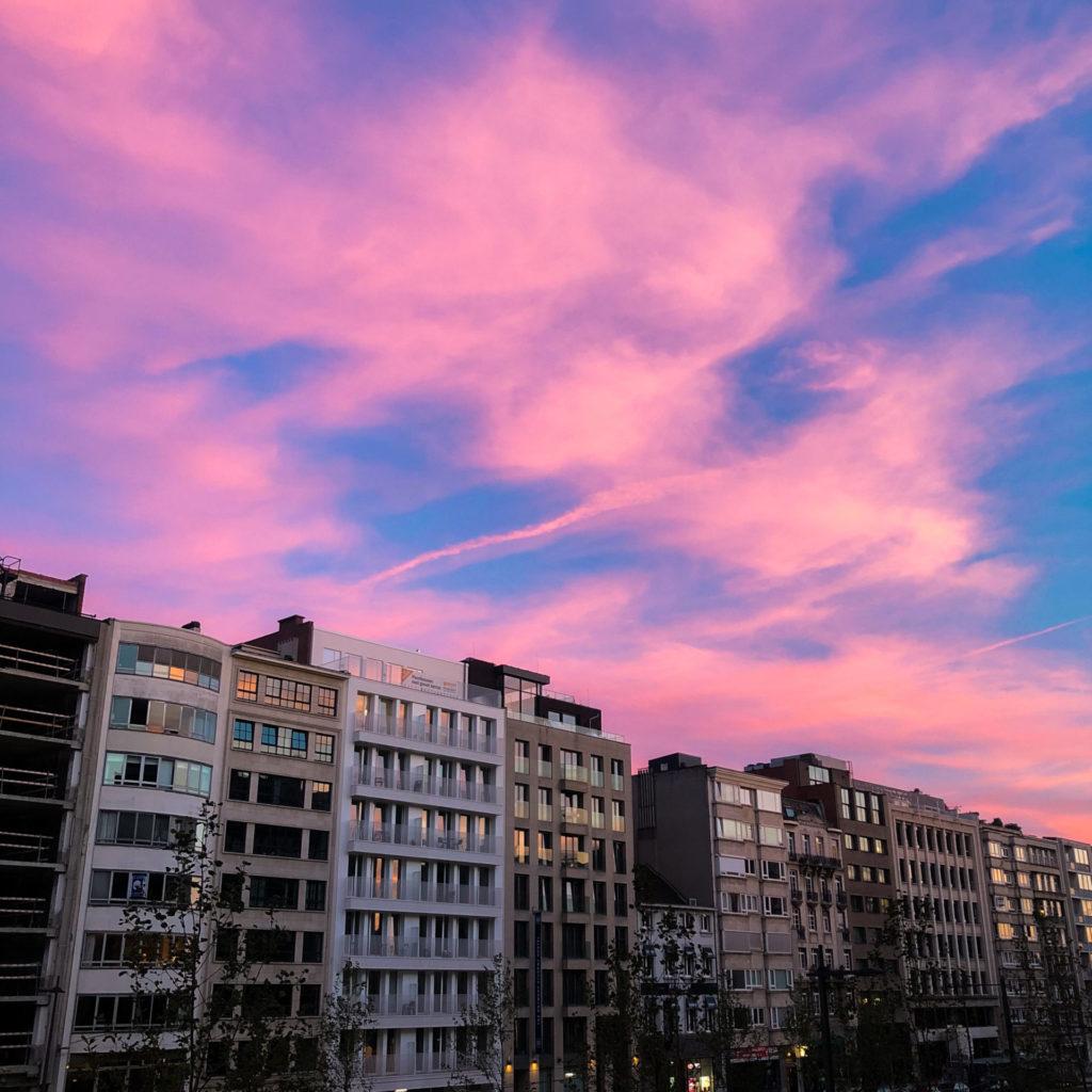 Een ondergaande zon in Antwerpen