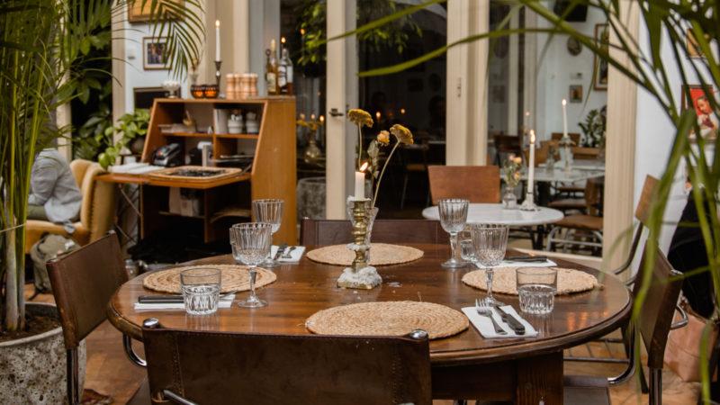 Gedekte tafel bij Paco Ciao