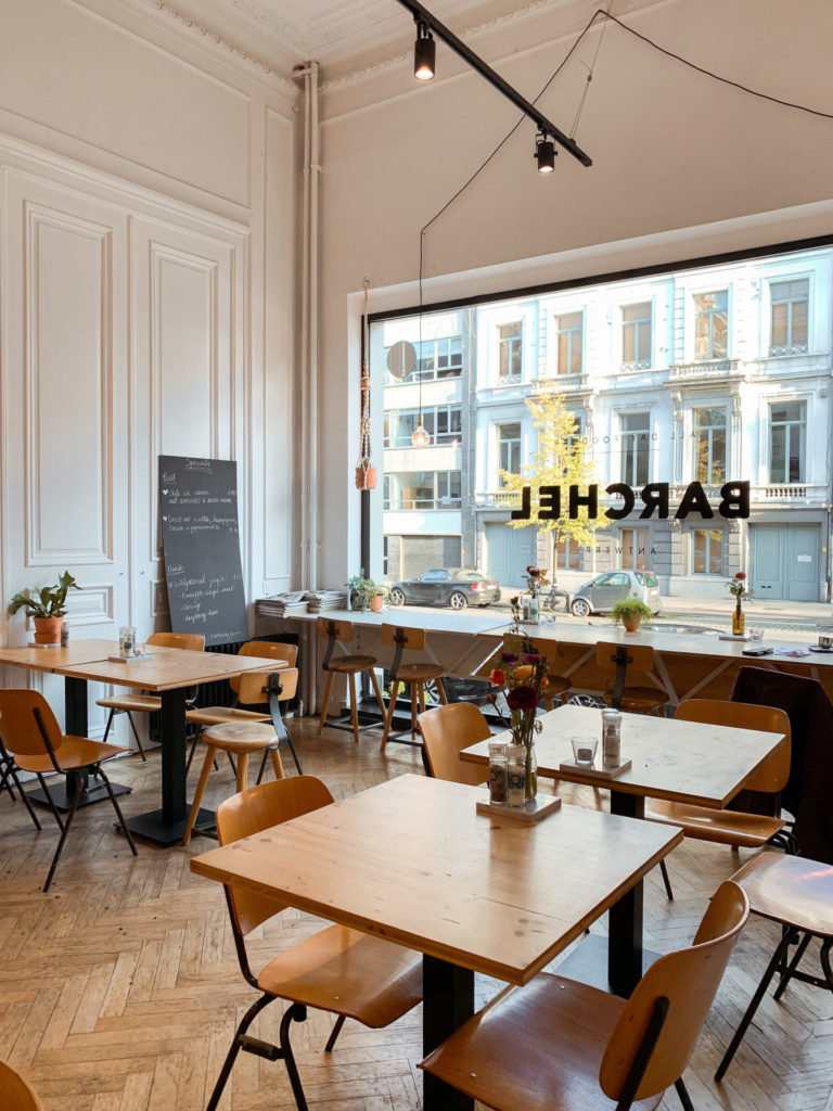 Koffiebar en foodbar Barchel, net buiten het centrum van Antwerpen