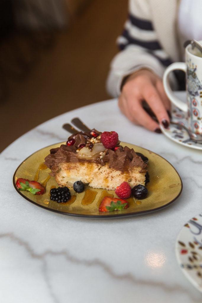 Vegan perentaart met chocolade bij deze hotspots in het centrum van Antwerpen