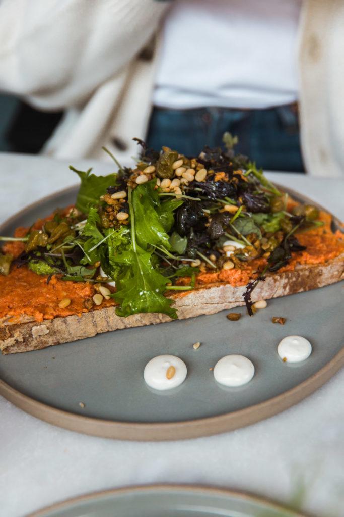 Veganistische filet americain bij deze lunchtent in Antwerpen