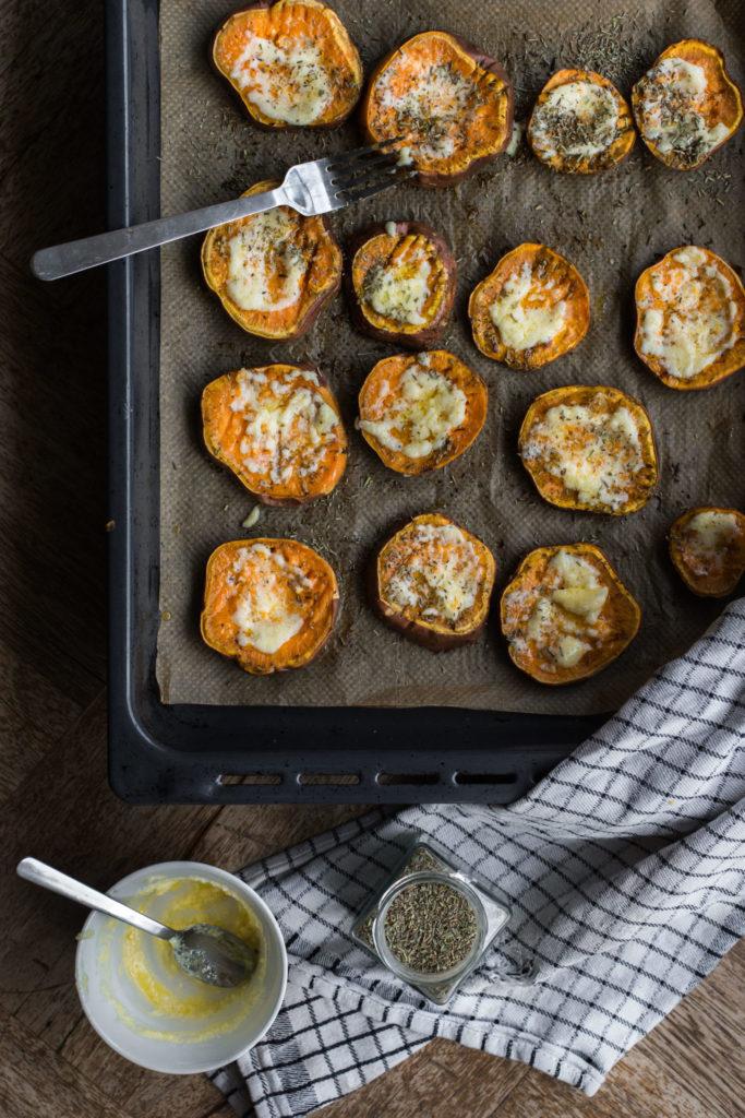 Zoete aardappel uit de oven met pecannoten