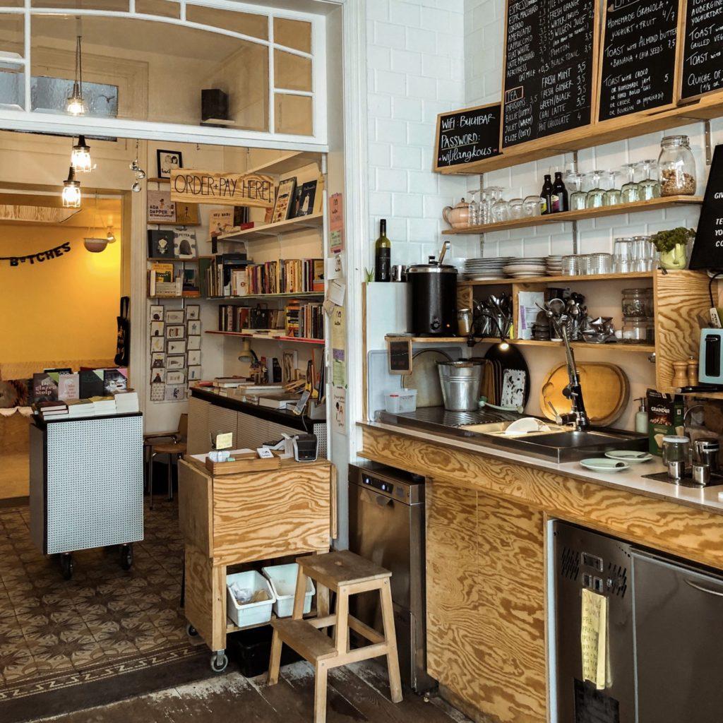 Koffietent en boekhandel Buchbar in Antwerpen