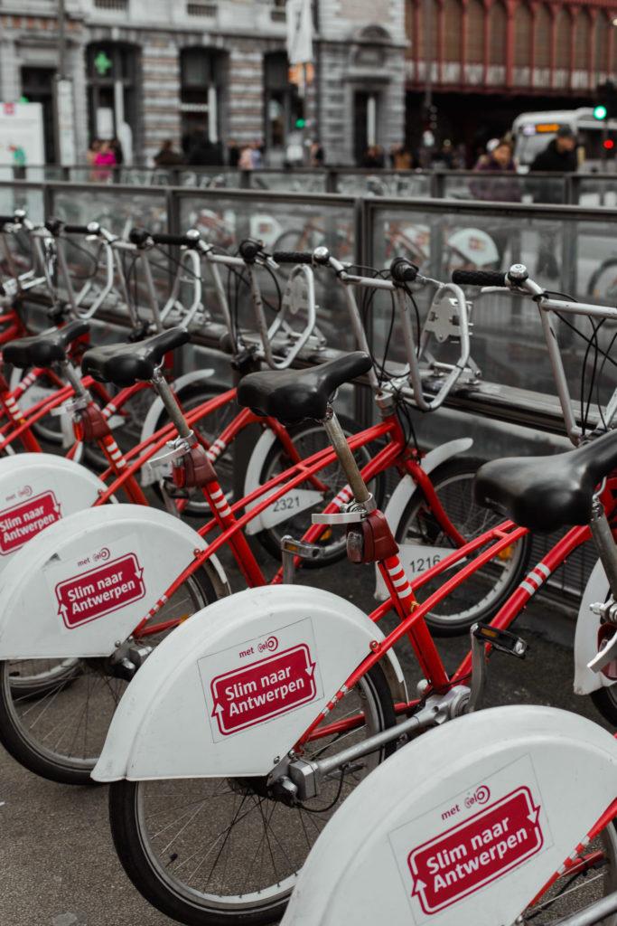 Vervoer naar en in Antwerpen - Velo deelfiets