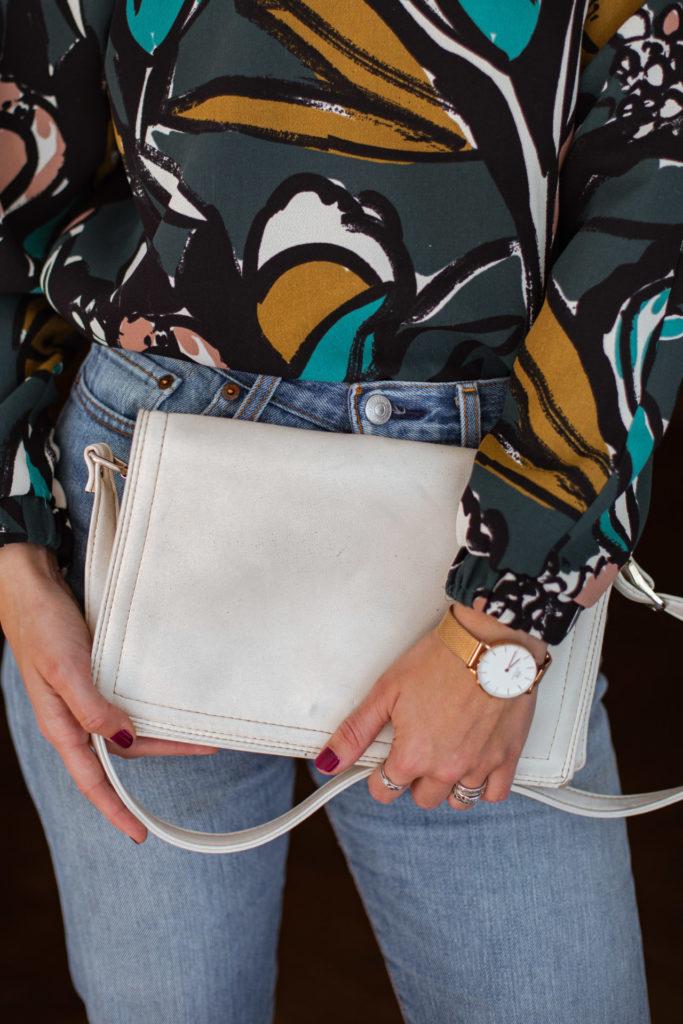Een van mijn eerste tweedehands tassen: een wit schoudertasje