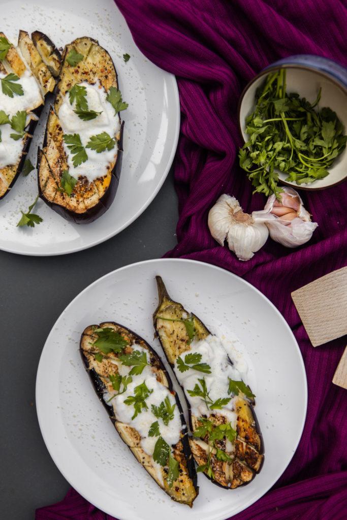 Aubergine uit de oven met burrata en Parmezaanse kaas