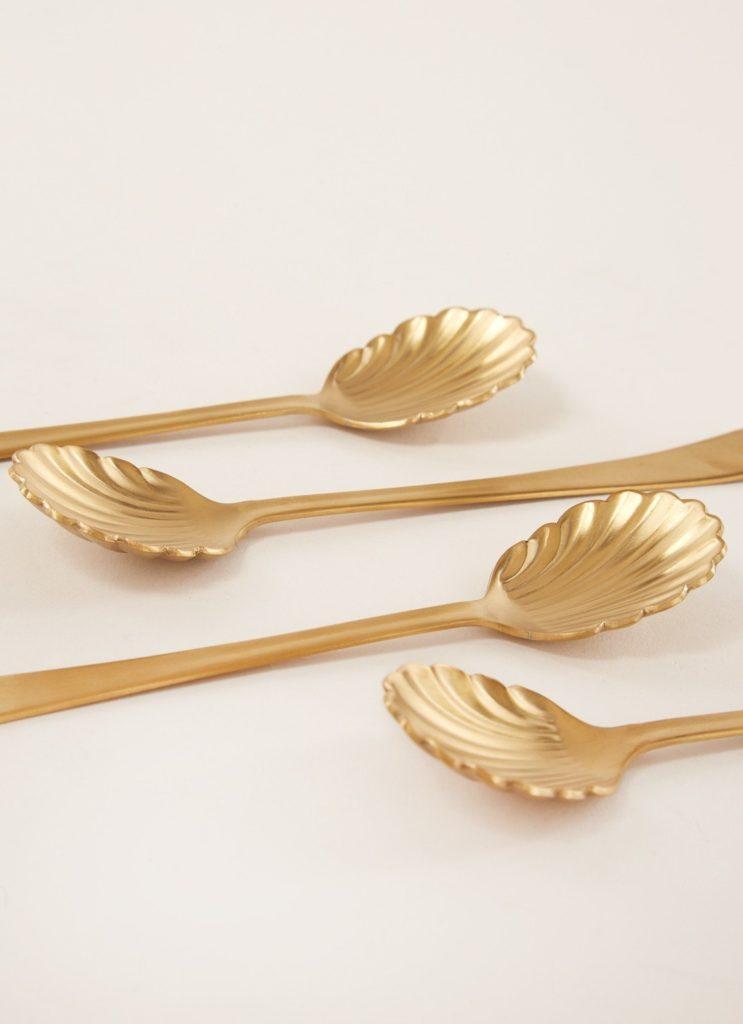Tools voor filterkoffie: gouden koffielepels