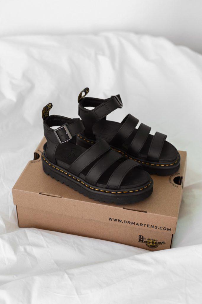 Sandalen van Dr. Martens