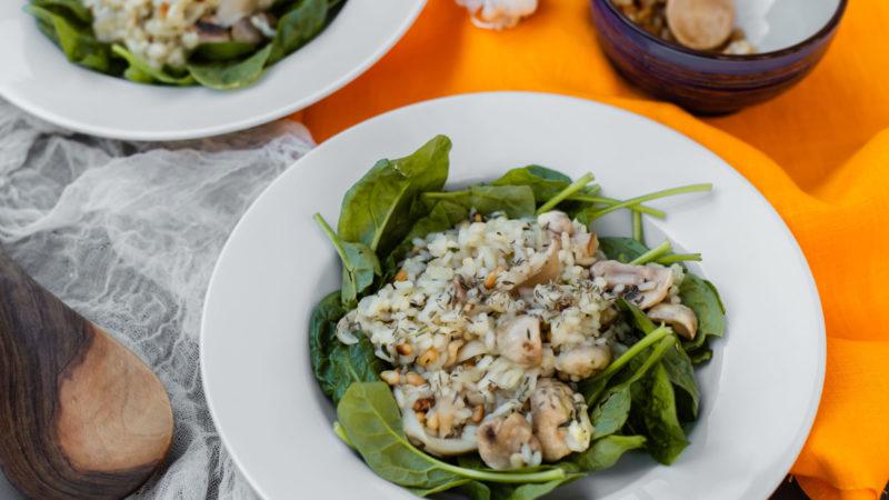 Recept risottogerecht met gemixte paddenstoelen, spinazie en verse tijm