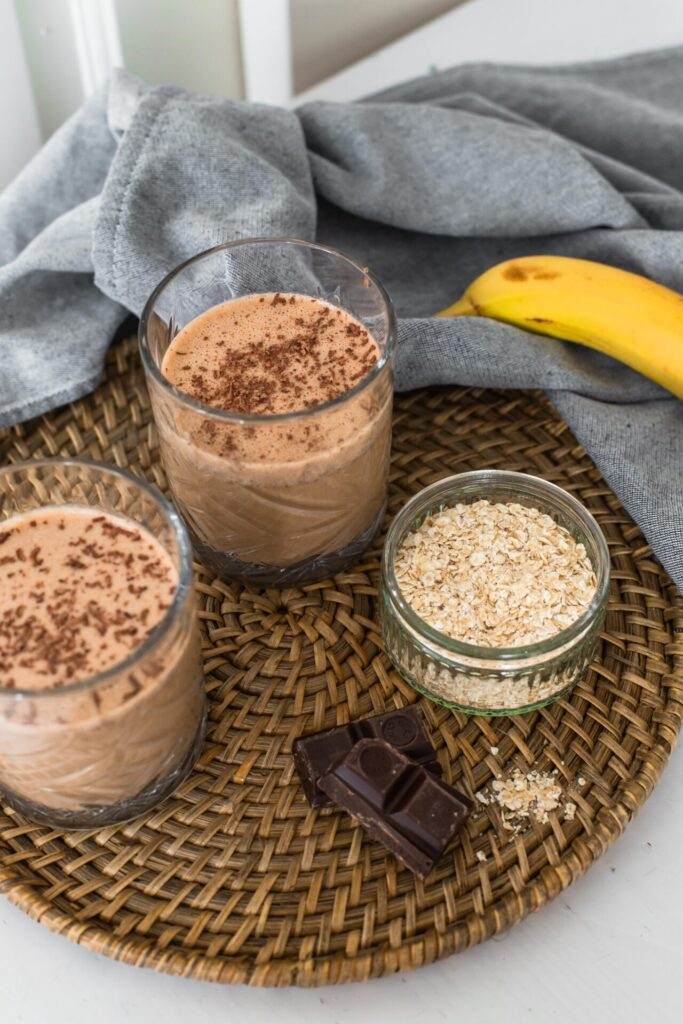 Recept voor vegan café mocha smoothie met havermelk